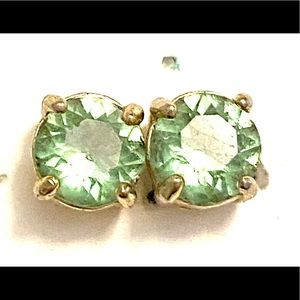 Green gold stud earrings